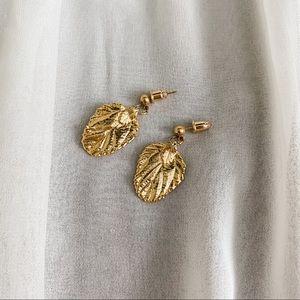 VTG Gold Foiled Detail Leaf Dangle Earrings